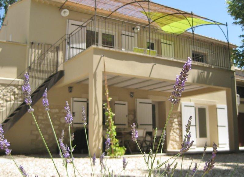 Gîte de campagne 'Mas la Mounine' en Provence, holiday rental in Orgon