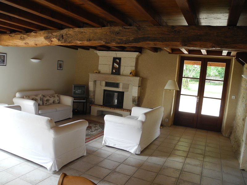Villa Anglade, holiday rental in Brie-sous-Chalais