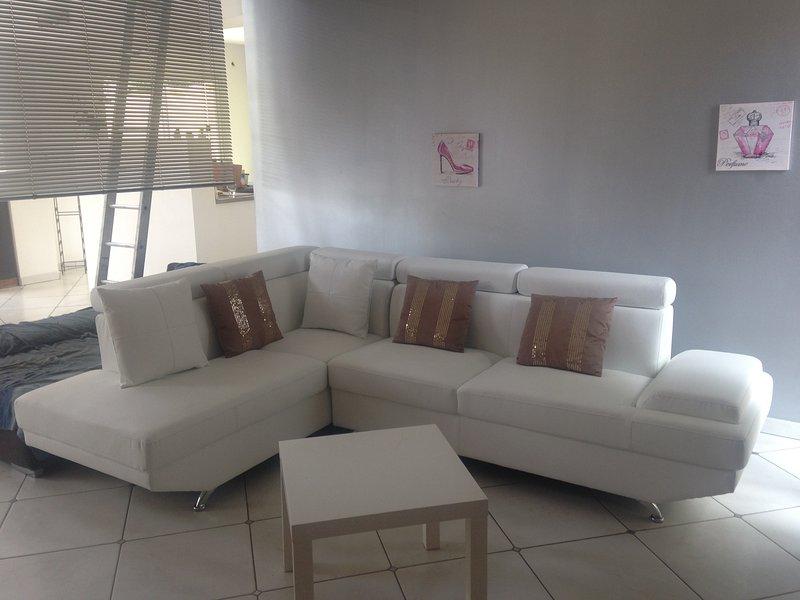 Chambre  dans villa à la campagne chez l'habitant, vacation rental in Lezignan-la-Cebe