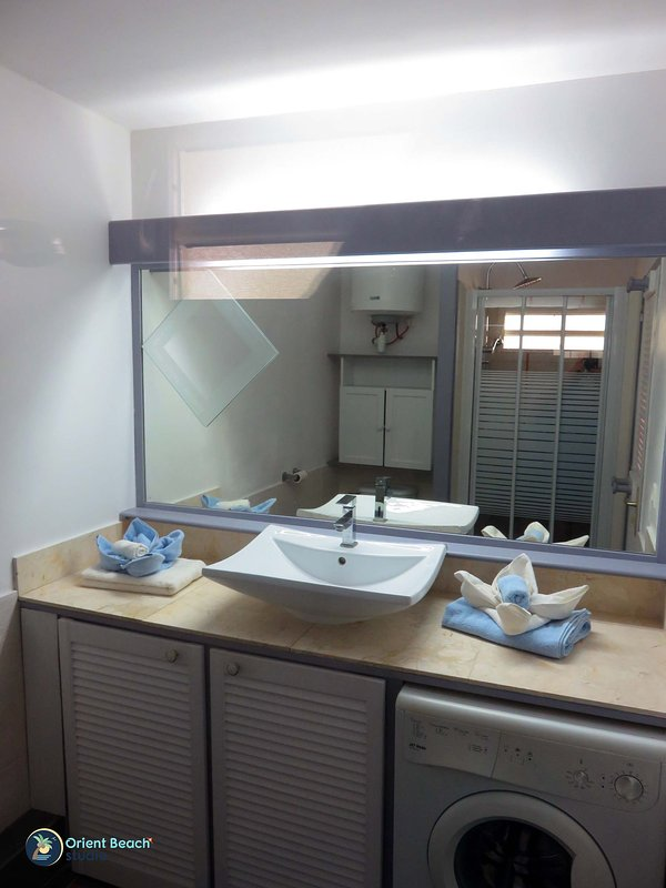 1-Orientbeachstudio-Bathroom