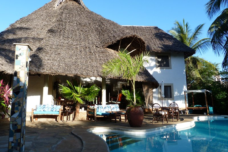 Villa Madinina - Private Pool, Wi-Fi, Gated Community, holiday rental in Msambweni