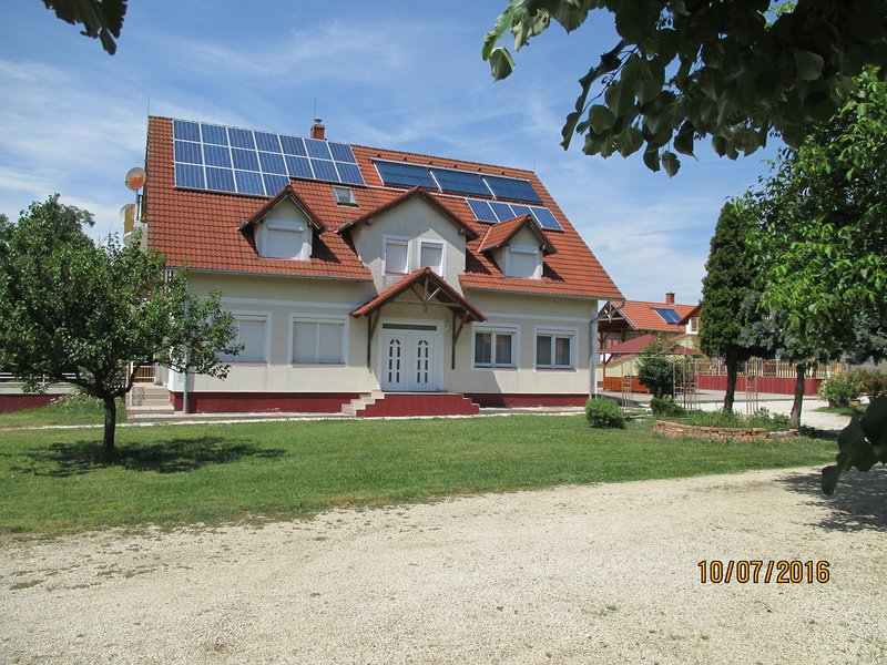 Residence Josef in Thermenregion, vacation rental in Szakony