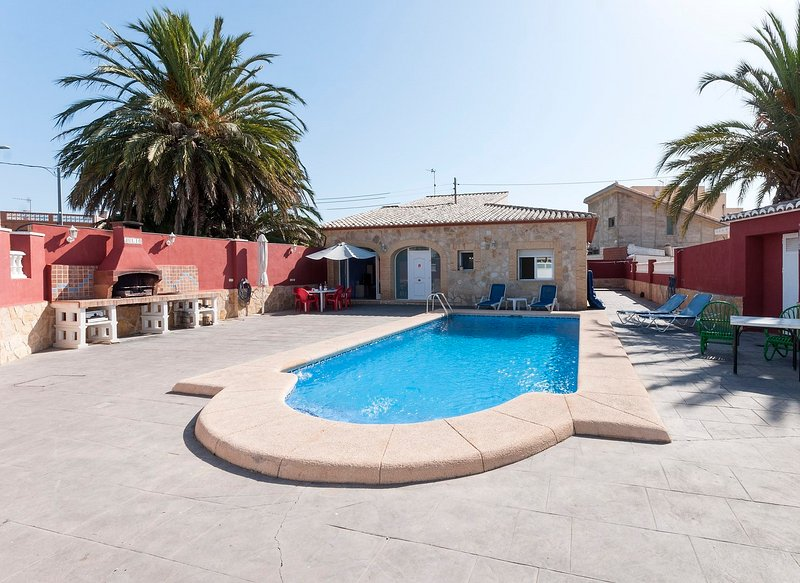 CEREZO - Chalet for 6 people in Rafalcaid, holiday rental in Grau de Gandia