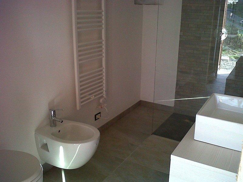 Bath / Bathroom