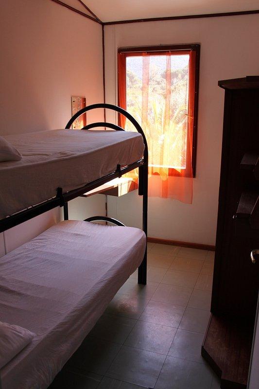 Troisième chambre avec lits superposés (sur demande)