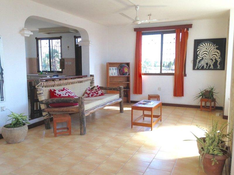 Msasani Dar es Salaam large & sunny3-bed apartment, casa vacanza a Dar es Salaam