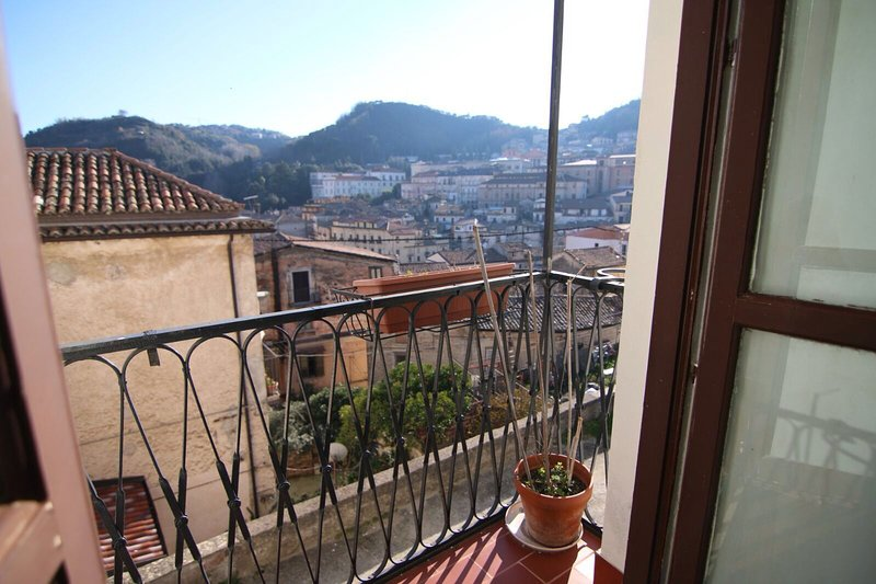 Cosenza Vecchia: Arte & Storia, holiday rental in Dipignano