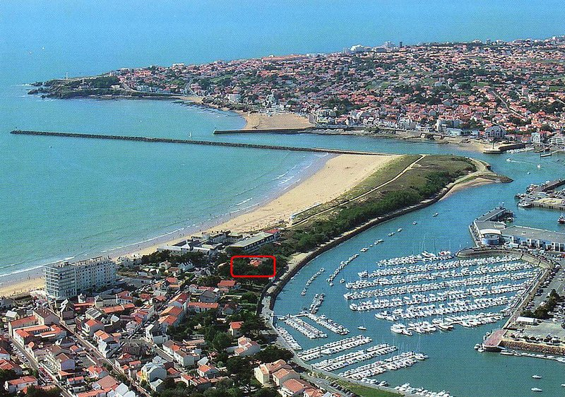 View of the villa and the park between the beach and harbor of Saint Gilles LIFE