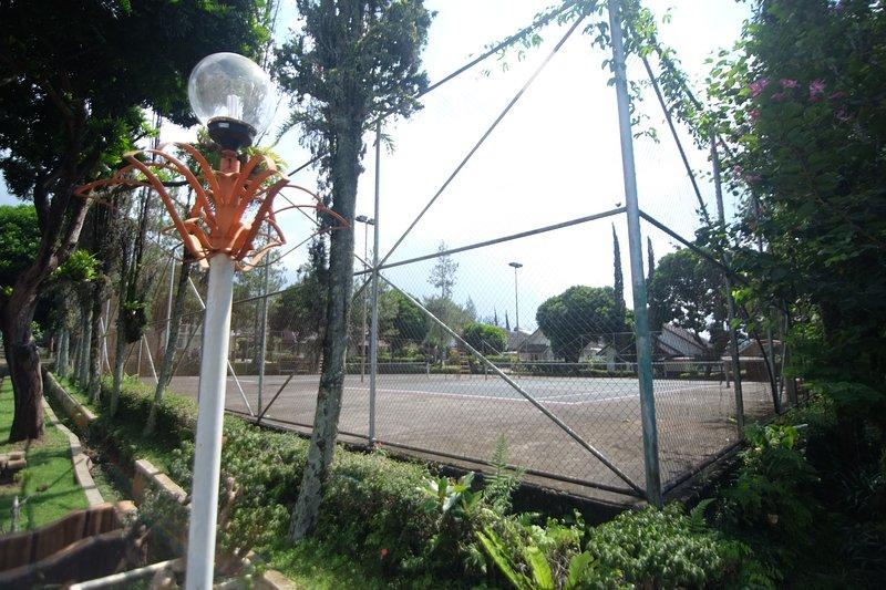 Gratis Tennisbaan breng je racket