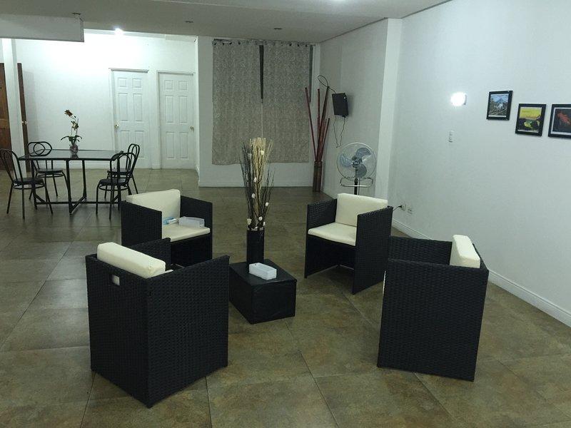 Pura Vida Rooms 4 Rent (1 Single Bedroom), vacation rental in La California