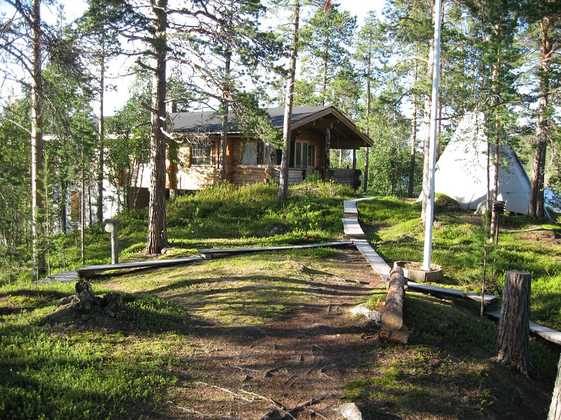 The White Blue Wilderness Lodge - Angler Paradies, holiday rental in Veskoniemi