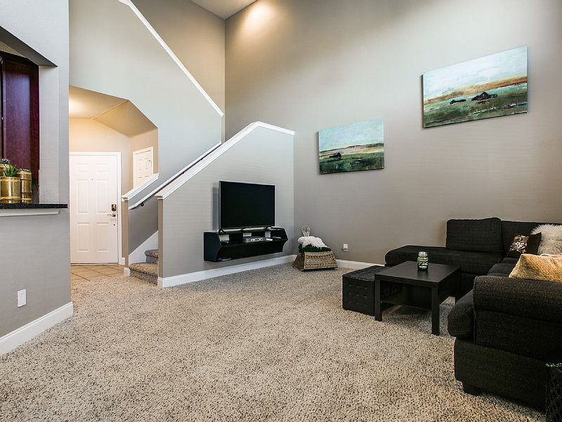 Immaculate Townhome in West Plano, alquiler vacacional en Plano