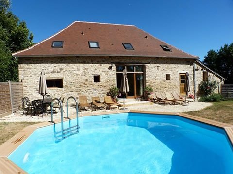 Renovated Barn Gite and Private Heated Pool