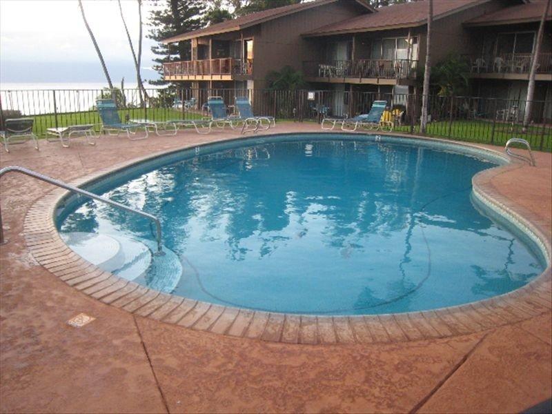 A nossa piscina.