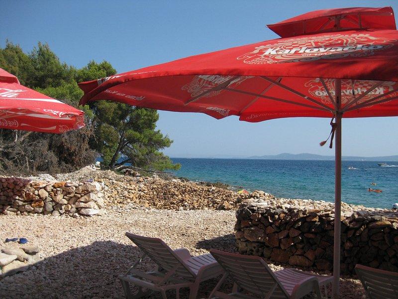 Beach in the immediate vicinity