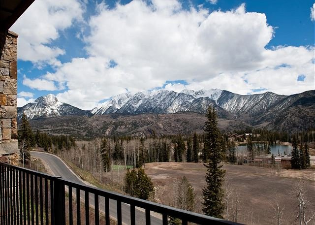 New Luxury Condo Steps to Lifts - Amazing Views, holiday rental in Durango
