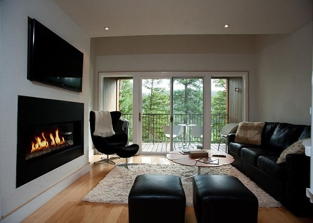 One-of-a-Kind Luxury at Tamarron (Unit 617) - A/C - Golf Privileges, holiday rental in Durango