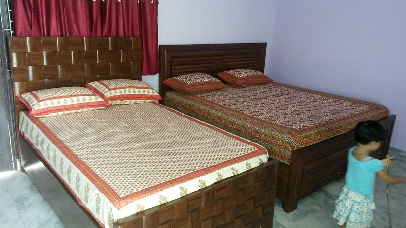 1 double and 1 single bed Very comfortable