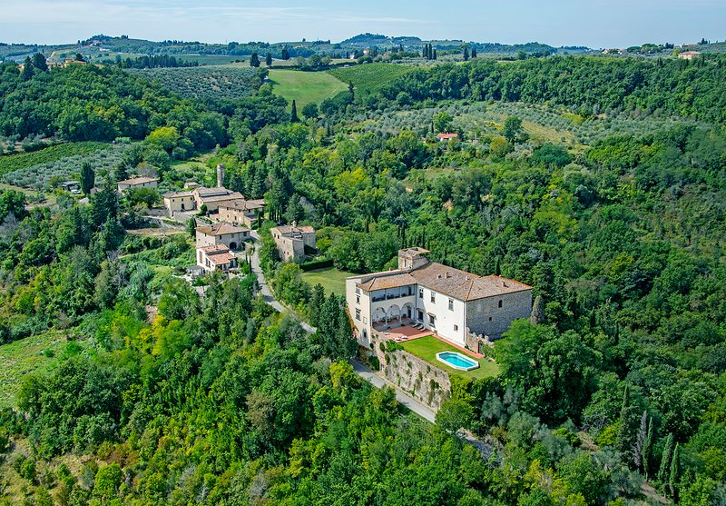 Castle in Chianti with swimming pool near Florence, vacation rental in San Casciano in Val di Pesa