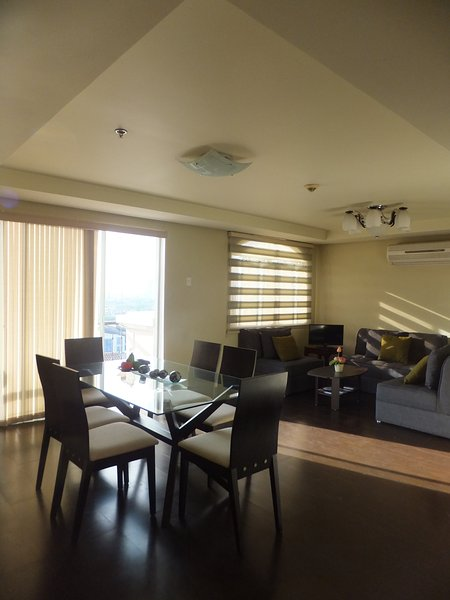 Prime McKinley Colina Unit, Bonifacio Global City