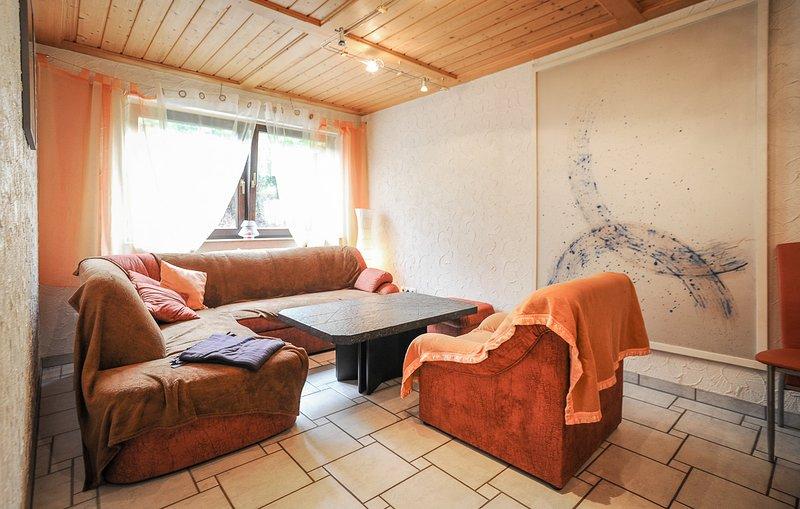 Ferienwohnung 1 mit Zusatzimmer auf Wunsch, casa vacanza a Bad Urach