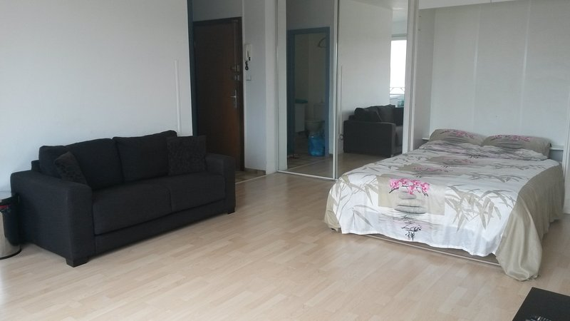 Nice apartment 5 minutes to Basel, location de vacances à Lorrach