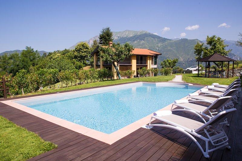 Villa Barsellotti: Luxury Villa with Private Pool, vacation rental in Bagni di Lucca