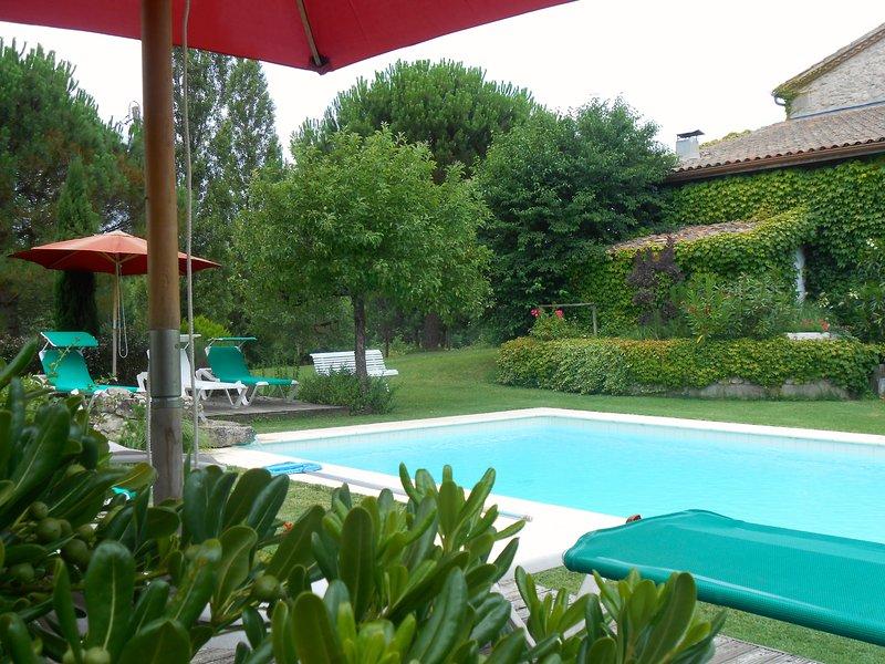 Chambre d'hôtesdu domaine de La Gazaille, vacation rental in Meilhan-sur-Garonne