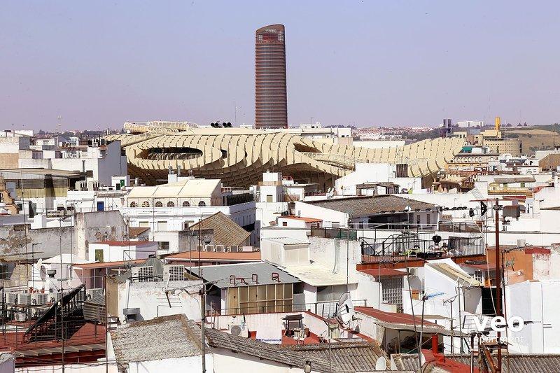 View of the Metropol Parasol, located at Plaza de la Encarnación.