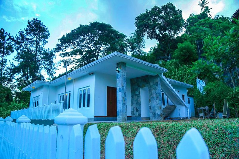 Holiday Bungalow in Kandy, location de vacances à Tennekumbura