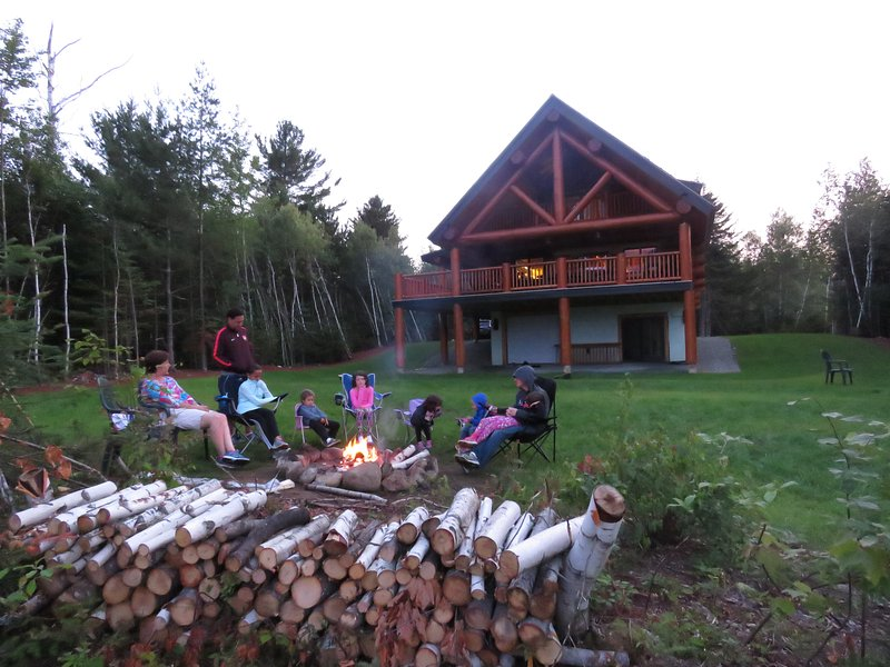 Firepit directly in front of Mount Washington