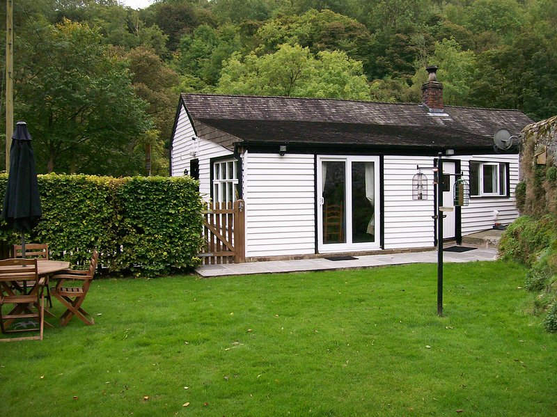 The Old Stores, Millers Dale, Tideswell Derbyshire, holiday rental in Chelmorton