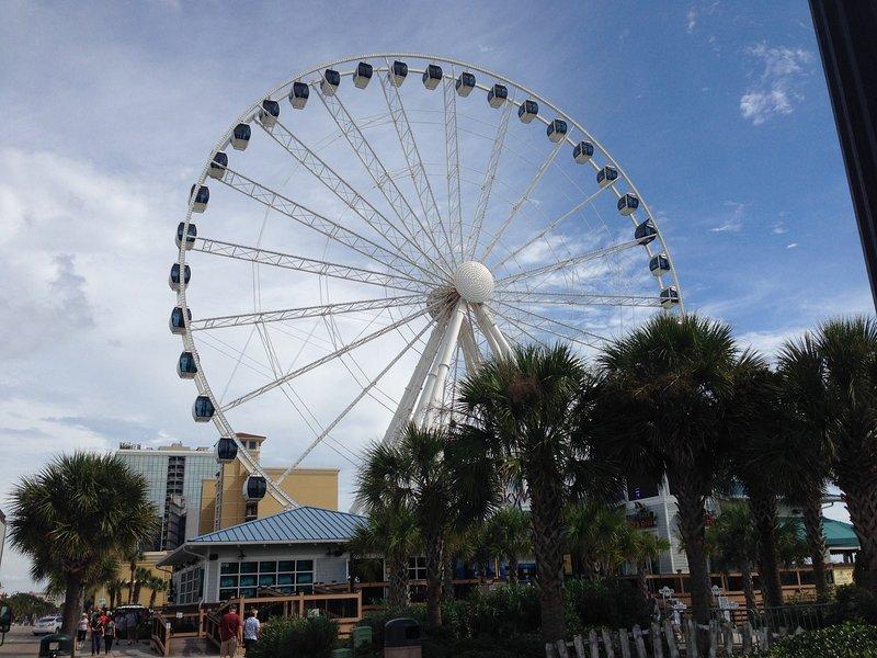 Grande roda céu em 3 quarteirões de distância na Broadwalk