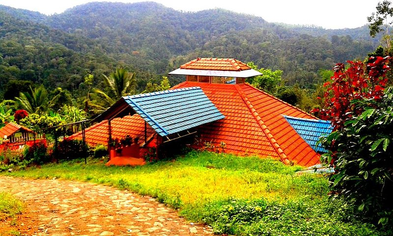 Estate Stay / Homestay for Vegetrian and Teetotalers' Families only, vakantiewoning in Madikeri