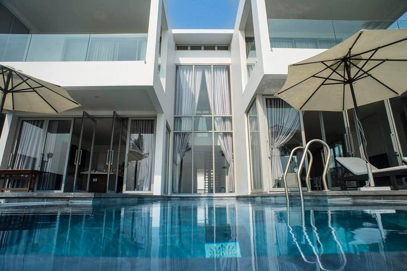 The Ocean Villas Danang - Beachfront 4BR Villa J4, holiday rental in Da Nang