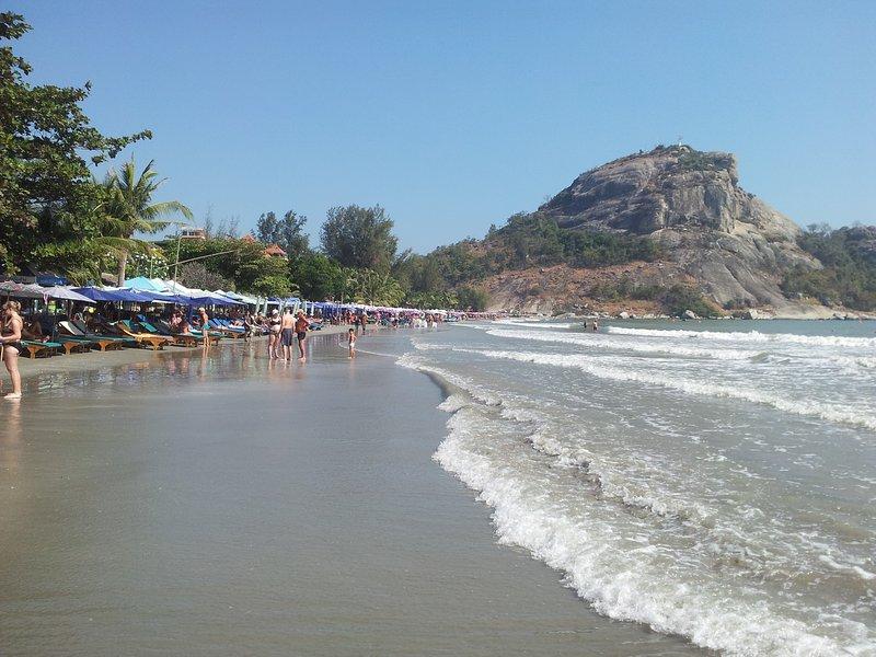 La spiaggia di Khao Takiab 5 minuti gångavstång