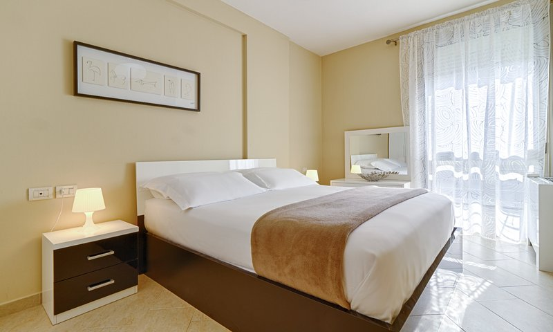 The Rooms Residence: two bedrooms Apartments+ sofa bed, location de vacances à Daias-Barabas