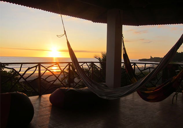Beach Side Haven with Ocean Views -  ESPERANTO BED AND BREAKFAST, alquiler de vacaciones en Montañita