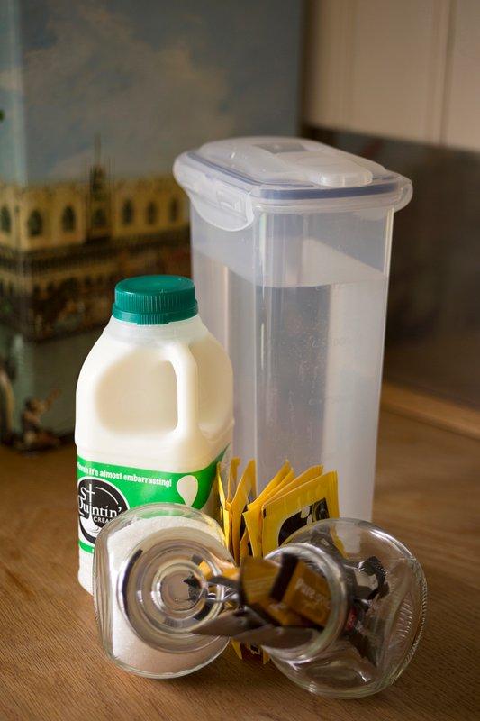 complementares chá, café, chocolate quente e um litro de leite