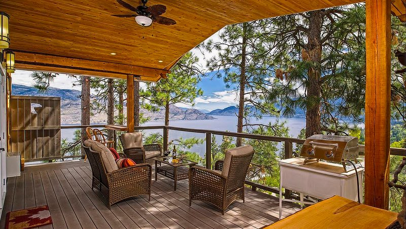 Treehouse Suite, holiday rental in Peachland