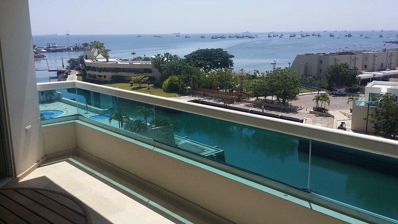 Apartamento precioso con vista al mar, aluguéis de temporada em Santa Elena
