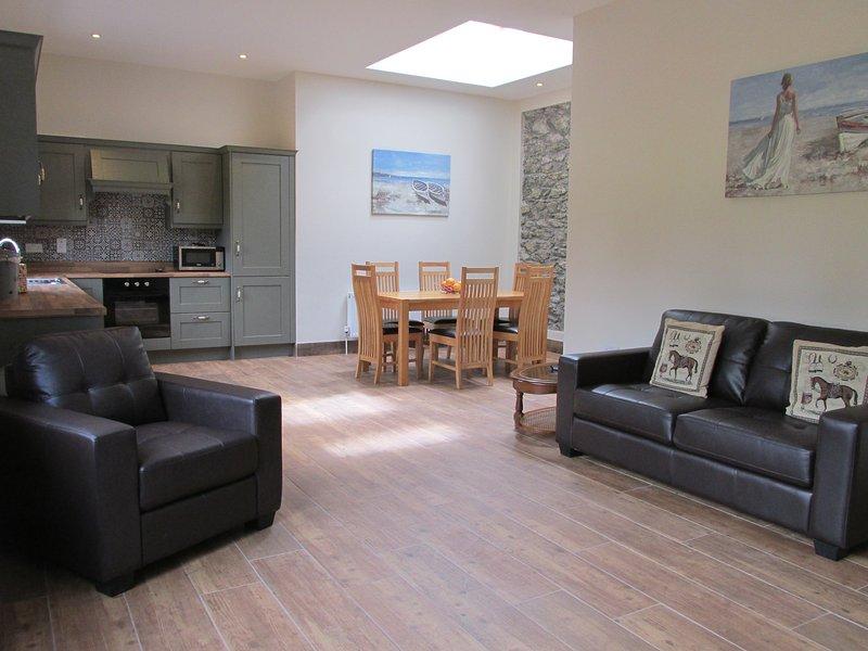 Court yard cottage, overlooking Lakes, Muckross Road, Killarney, holiday rental in Killarney