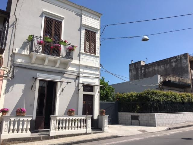 Moni Rooms, holiday rental in Giarre