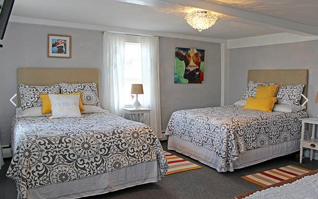 The Quirky Cow Room at Cedar Hill Farm B&B, holiday rental in Manchester-by-the-Sea