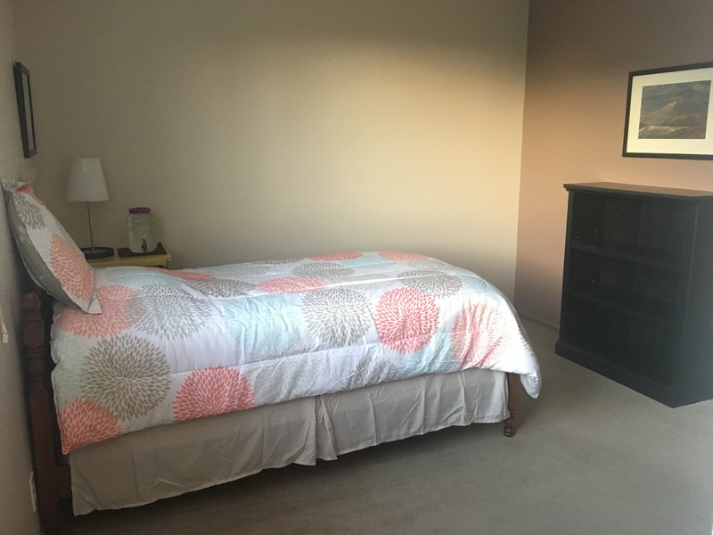 ROOM FOR RENT, MEALS INCLUDED WHEN YOU ARE HERE, alquiler vacacional en Chula Vista