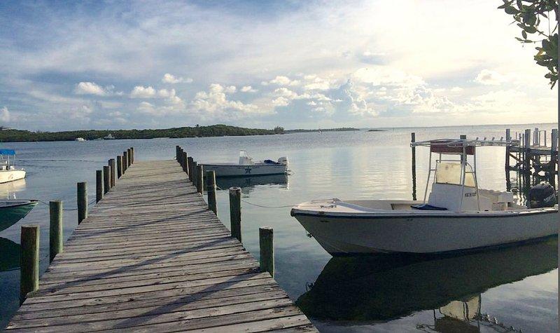 Public (free) dock in White Sound