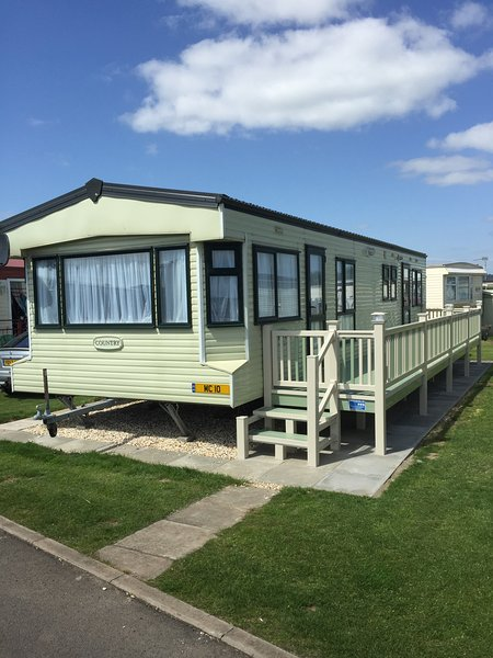 GOLD PLUS 8 BERTH 3 BEDROOM  SNDN-CARAVANS HOME FROM HOME FEEL WITH THE HOLIDAY EXPERIENCE
