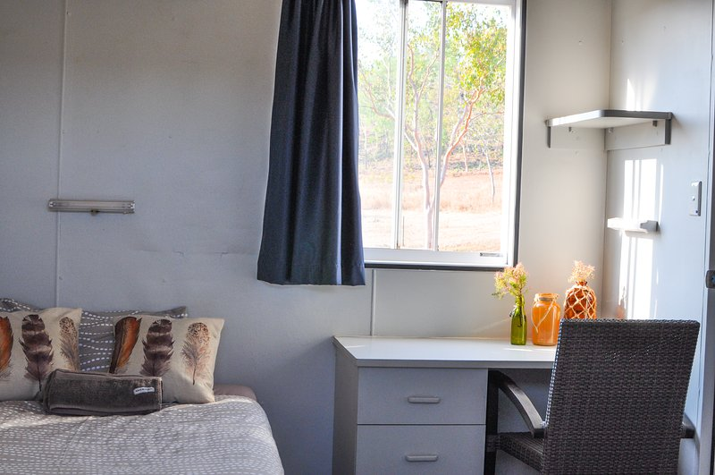 Oakey Downs Retreat #1 Ensuite room - single bed, alquiler vacacional en Darwin