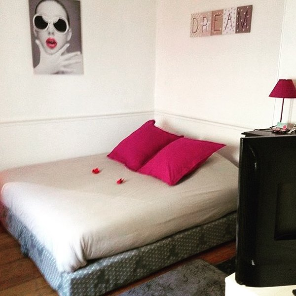 Edith Room Bed and Breakfast Hostel Paris Orly CDG, casa vacanza a Villeneuve-le-Roi