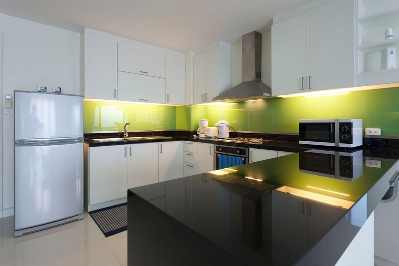 Large kitchen, full equipped including an oven and 4 burner stove